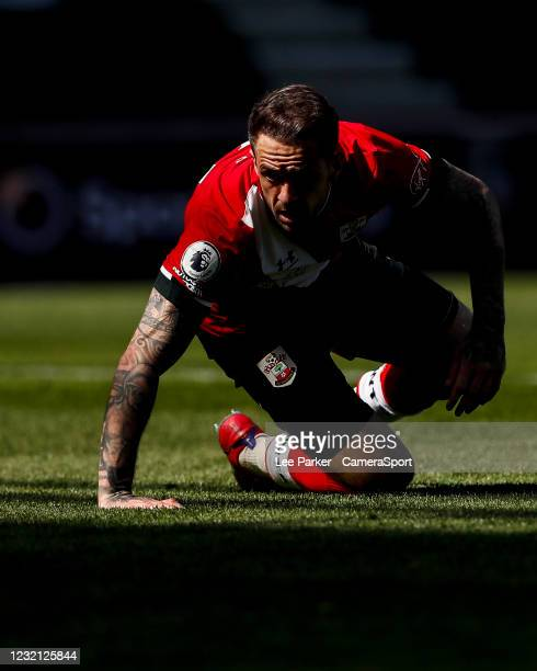 DSouthampton's Danny Ings gets up after having a header cleared off the line uring the Premier League match between Southampton and Burnley at St...