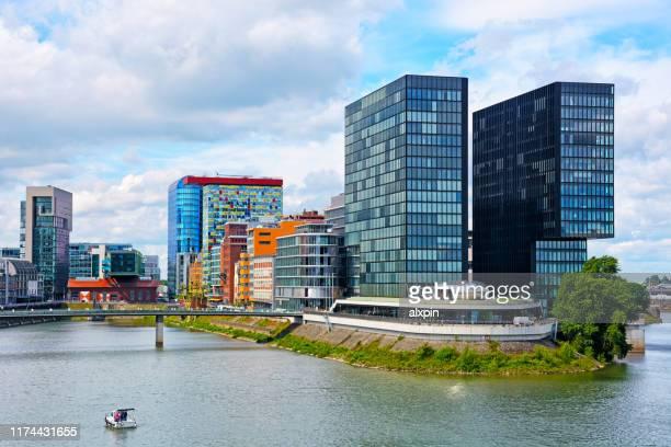 düsseldorf media harbor, alemanha - renânia do norte vestfália - fotografias e filmes do acervo