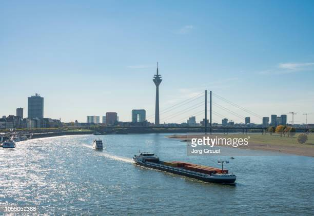 düsseldorf skyline - north rhine westphalia stock pictures, royalty-free photos & images