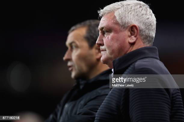 DSteve Bruce, manager of Aston Villa looks on with Colin Calderwood during the Sky Bet Championship match between Aston Villa and Sunderland at Villa...