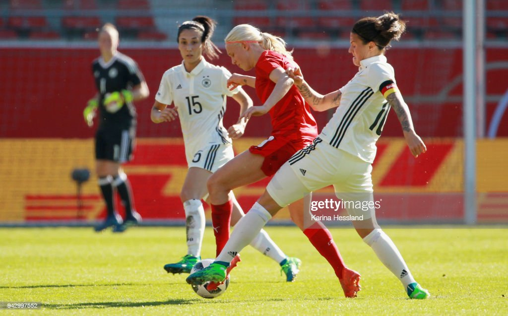 Germany Women's v Czech Republic Women's - 2019 FIFA Women's World Championship Qualifier : News Photo