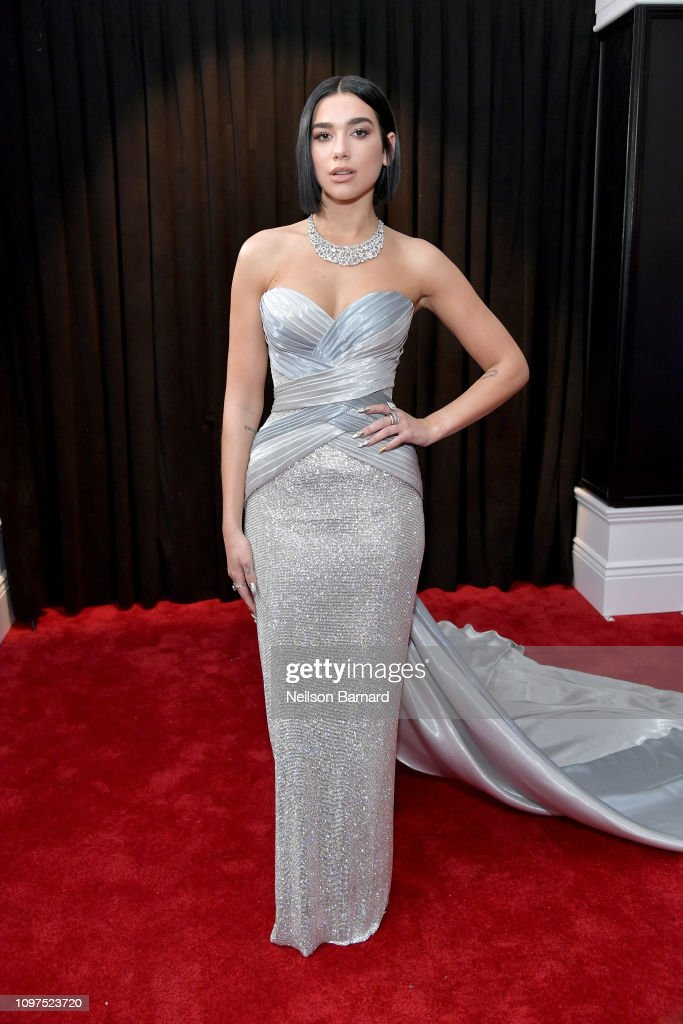 61st Annual GRAMMY Awards - Red Carpet : Fotografía de noticias