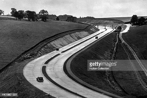 dual carriageway - 1939 stock-fotos und bilder