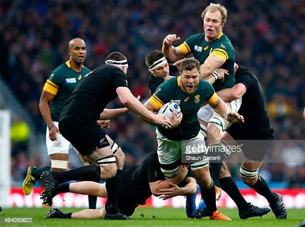 Duane Vermeulen of South Africa makes a break during the 2015 Rugby World Cup Semi Final match between South Africa and New Zealand at Twickenham...