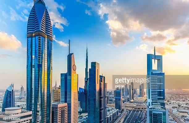 Dubai al atardecer