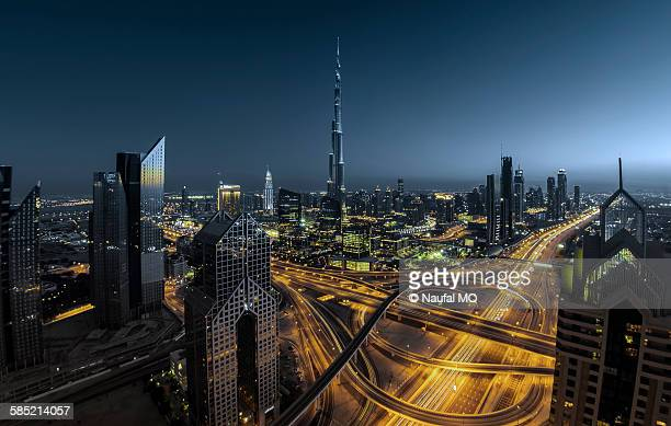 dubai financial district - financial district stock pictures, royalty-free photos & images