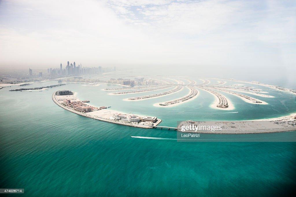 Marina de Dubai rascacielos y la vista aérea de isla Palm : Foto de stock