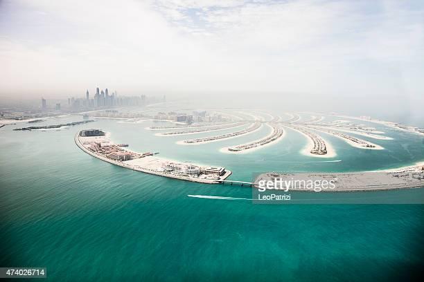 Marina de Dubai rascacielos y la vista aérea de isla Palm