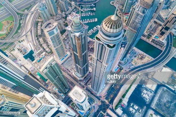 dubai marina skyline urbano - dubái fotografías e imágenes de stock
