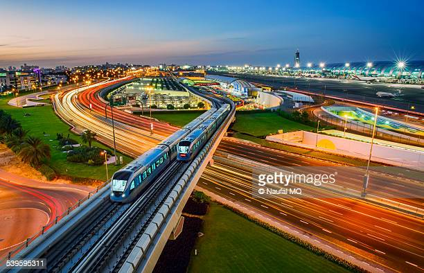 Dubai metro trains crossing each other