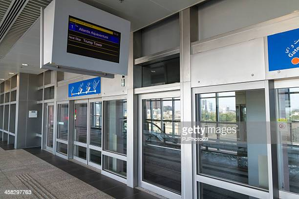 dubai monorail station - pjphoto69 stock pictures, royalty-free photos & images