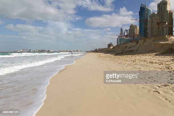 dubai - the beach of jumeirah marina - pjphoto69 stock pictures, royalty-free photos & images