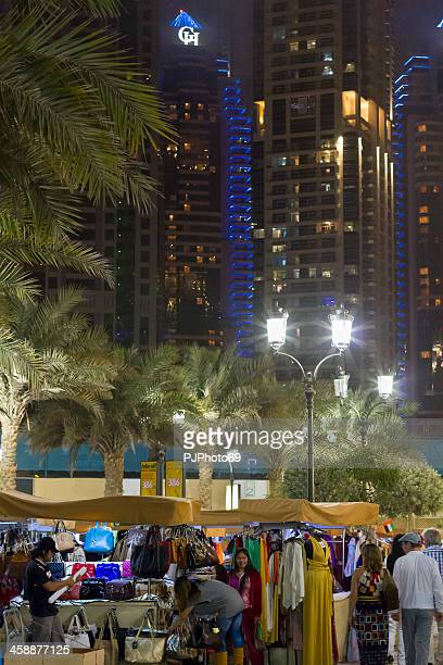 dubai-the walk street in jumeirah beach - pjphoto69 stock-fotos und bilder