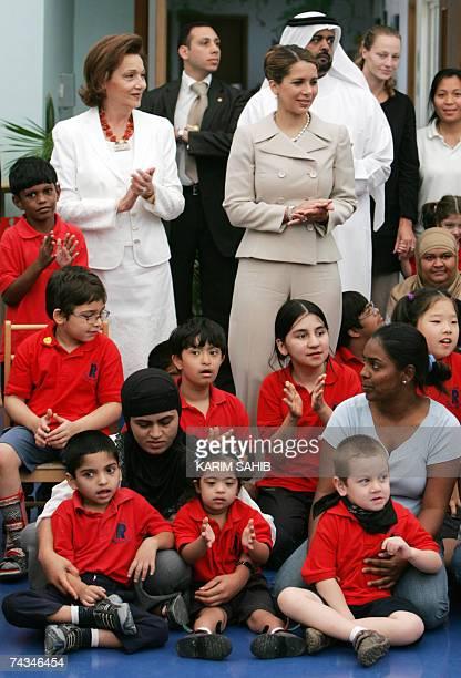 Dubai, UNITED ARAB EMIRATES: Egyptian First Lady Suzanne Mubarak and Jordan's Princess Haya bint al-Hussein wife of Dubai's ruler Sheikh Mohammed bin...