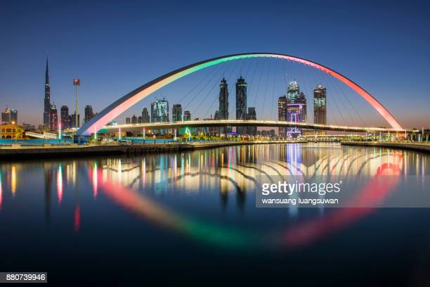 dubai water canal - international landmark stock pictures, royalty-free photos & images