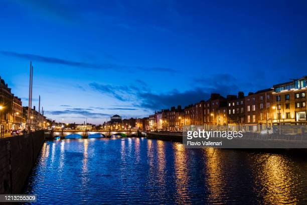 dublin by night - ireland - night stock pictures, royalty-free photos & images