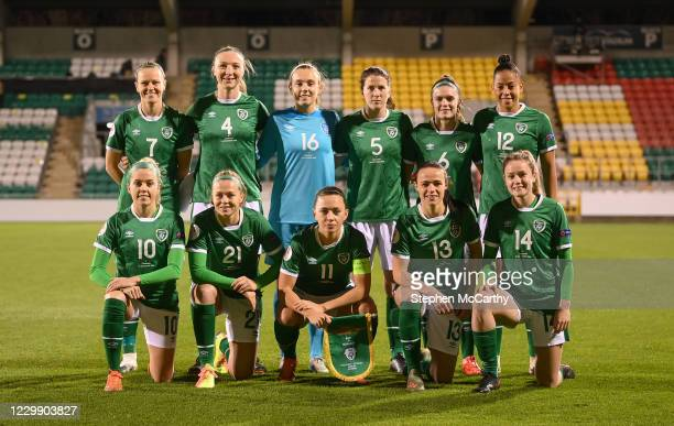 Dublin , Ireland - 1 December 2020; The Republic of Ireland team, back row, from left, Diane Caldwell, Louise Quinn, Grace Moloney, Niamh Fahey,...