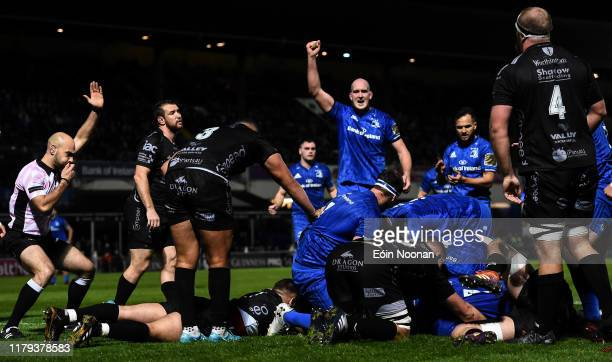 Dublin , Ireland - 1 November 2019; Michael Bent of Leinster scores his side's first try during the Guinness PRO14 Round 5 match between Leinster and...