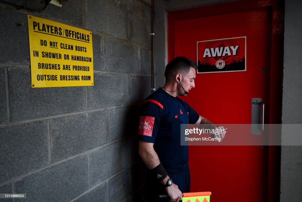 Dublin , Ireland - 10 August 2018; Assistant referee Declan Toland prior to the Irish Daily Mail FAI Cup First Round match between Inchicore Athletic and St Patrick's Athletic at Richmond Park in Inchicore, Dublin.