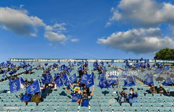 Dublin , Ireland - 11 June 2021; Leinster supporters welcome their team onto the pitch before the Guinness PRO14 match between Leinster and Dragons...
