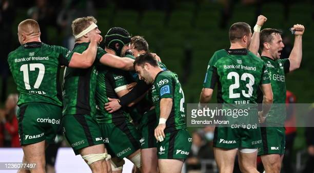 Dublin , Ireland - 23 October 2021; Connacht players celebrate their side's fifth try, scored by Mack Hansen during the United Rugby Championship...