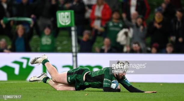 Dublin , Ireland - 23 October 2021; Mack Hansen of Connacht scores his side's fifth try during the United Rugby Championship match between Connacht...
