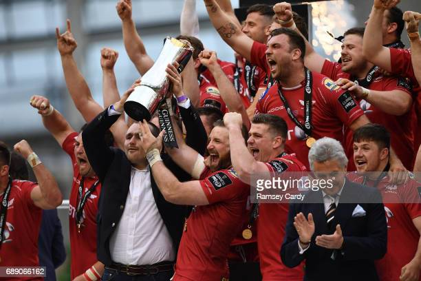 Dublin , Ireland - 27 May 2017; Scarlets captain John Barclay lifts the trophy following their victory the Guinness PRO12 Final between Munster and...