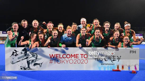 Dublin Ireland 3 November 2019 The Ireland team celebrate after qualifying for the Tokyo2020 Olympic Games after the FIH Women's Olympic Qualifier...