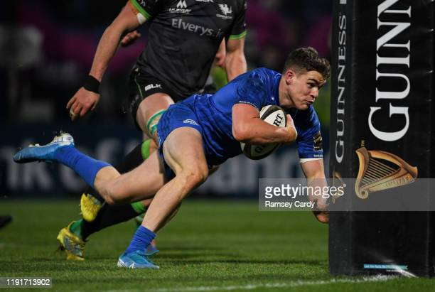 Dublin , Ireland - 4 January 2020; Garry Ringrose of Leinster dives over to score his side's seventh try during the Guinness PRO14 Round 10 match...