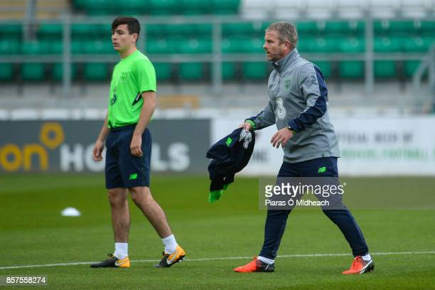 Dublin Ireland 4 October 2017 Republic of Ireland assistant manager Mark Kinsella with Josh Cullen during squad training at Tallaght Stadium in Dublin