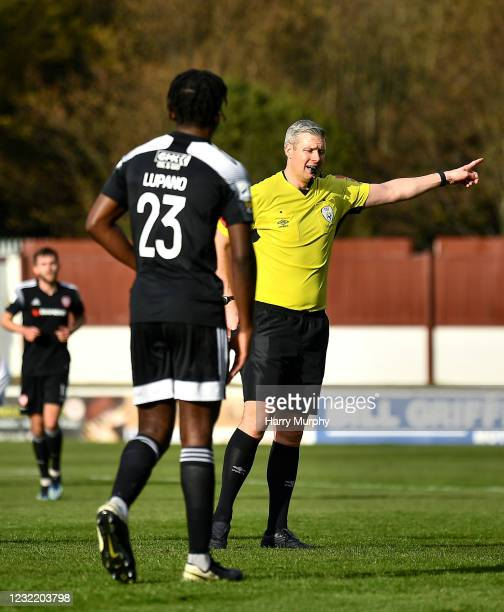 Dublin , Ireland - 9 April 2021; Referee Ben Connolly shows a red card to Danny Lupano of Derry City during the SSE Airtricity League Premier...
