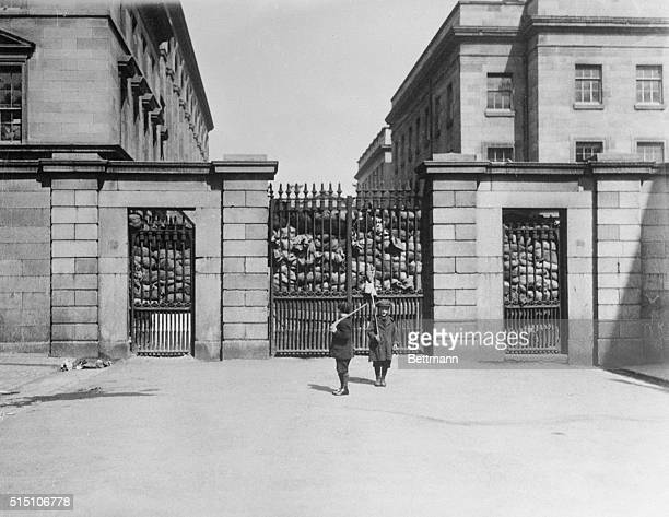 Dublin was reported to be quieter and the Peace Committee was to meet again at the Mansion House shown here Hopes of an agreement between the Free...