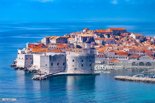 dubrovnik city walls - croatia stock pictures, royalty-free photos & images