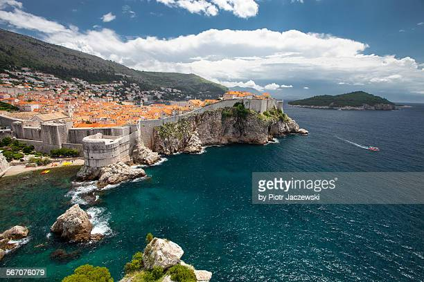dubrovnik - fortified wall stock pictures, royalty-free photos & images