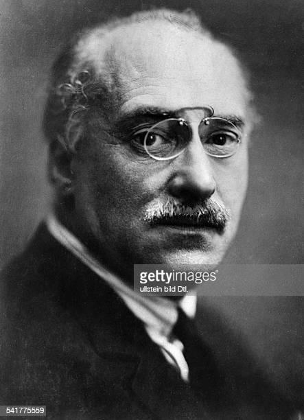 Duca Ion Gheorge *26121879 Politiker RumänienChef der Nationalliberalen Partei1913 1917 Minister für Unterricht undKultur1922 1926 mehrmals...