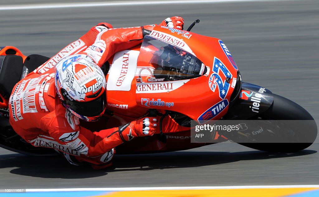 Ducati's Australian rider Casey Stoner takes a curve at Le Mans' circuit during a free practice session on May 21, 2010 two days ahead of the MotoGP French Grand Prix.