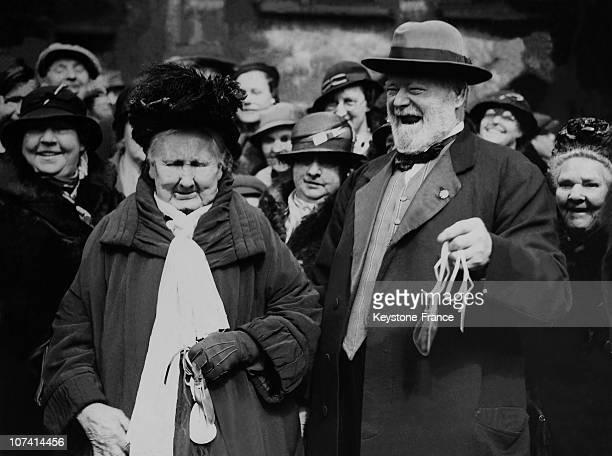Duchess Of York At The Maundy Money Ceremony Good Friday On 1935