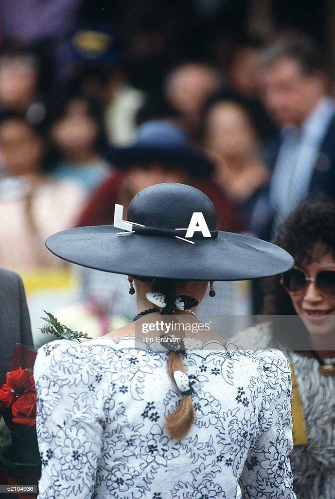 Sarah L.a. Logo In Hair : News Photo