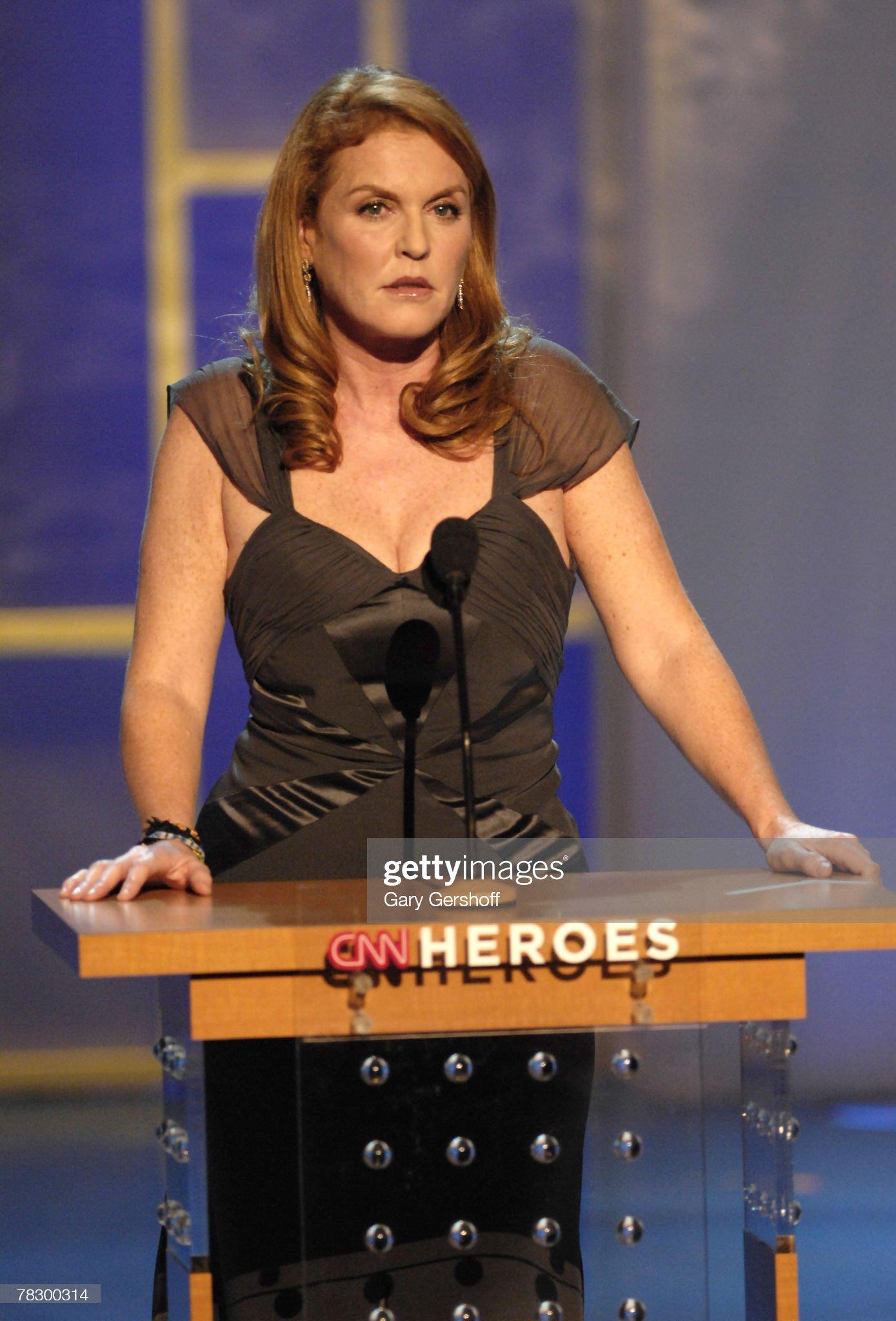 Вечерние наряды Отем пока еще Филлипс и Сары Йоркской CNN Heroes: An All-Star Tribute, a Live Global Broadcast Honoring Everyday Heroes - Show : News Photo