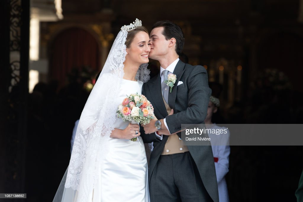 Wedding of Duchess Sophie Of Wurttemberg And Count Maximilian Of Andigne At Tegernsee Castle : Fotografía de noticias