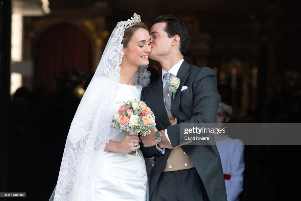 Wedding of Duchess Sophie Of Wurttemberg And Count Maximilian Of Andigne At Tegernsee Castle : Nachrichtenfoto