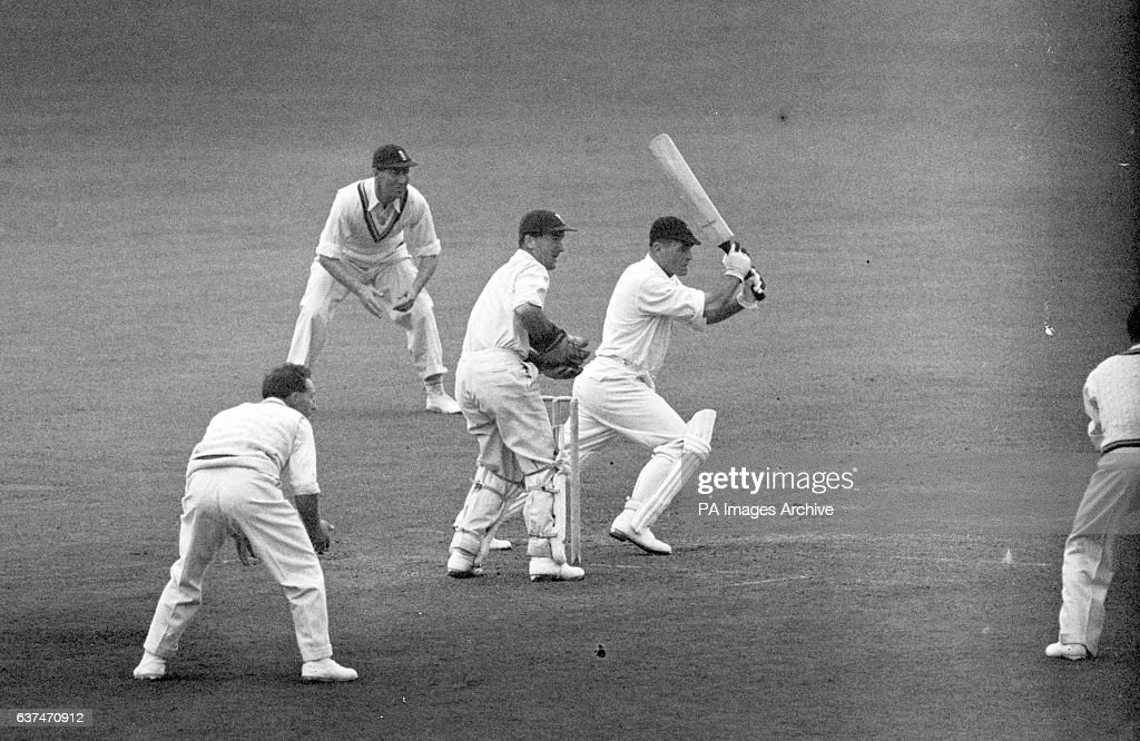 Cricket - England v South Africa, 1947, 4th Test Headingley, Leeds : News Photo