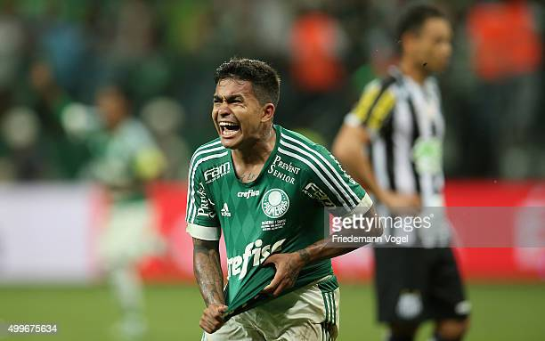 Dudu of Palmeiras celebrates scoring the second goal during the match between Palmeiras and Santos for the Copa do Brasil 2015 Final at Allianz...