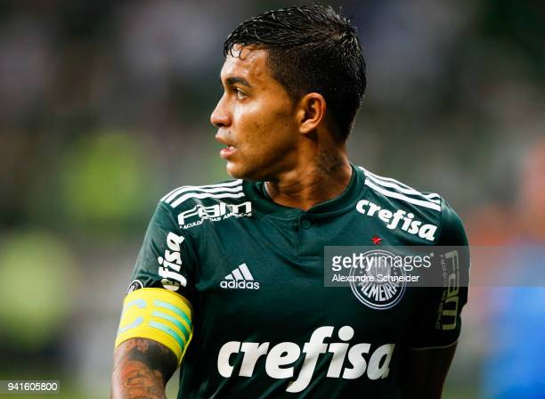 Dudu of Palmeiras of Brazil reacts during the match against Alianza Lima of Peru for the Copa CONMEBOL Libertadores 2018 at Allianz Parque Stadium on...