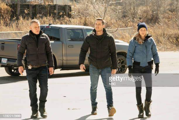"""Due Process"""" Episode 812 -- Pictured: Jason Beghe as Hank Voight, Jesse Lee Soffer as Jay Halstead, Tracy Spiridakos as Hailey Upton --"""