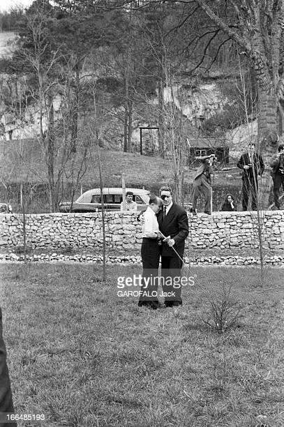 Duel Between Serge Lifar And The Marquis Of Cuevas Mars 1958 Duel à l'épée entre le danseur et chorégraphe Serge LIFAR et le directeur de ballet le...
