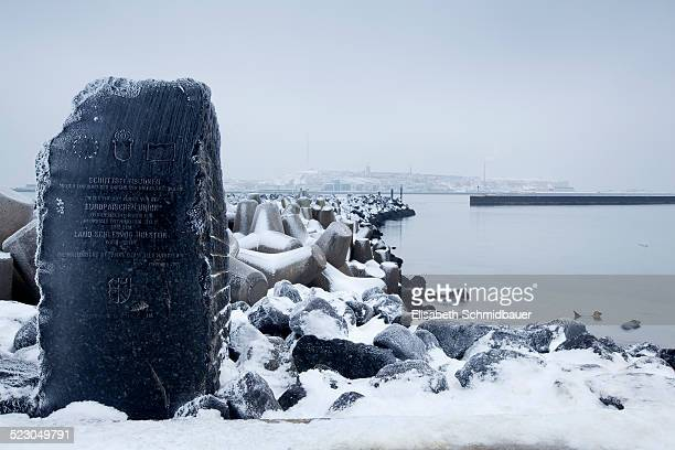 duene monument, helgoland, schleswig-holstein, germany, europe - helgoland stock pictures, royalty-free photos & images