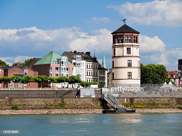 Flussufer in Düsseldorf, Deutschland