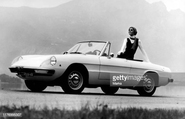 Duetto. Alfa Romeo 1750 spider veloce. 1969.