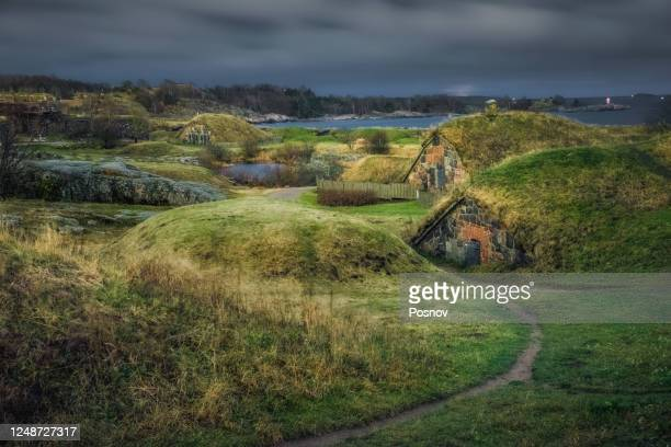 dugouts at kuninkaanportti at suomenlinna - world war one stock pictures, royalty-free photos & images